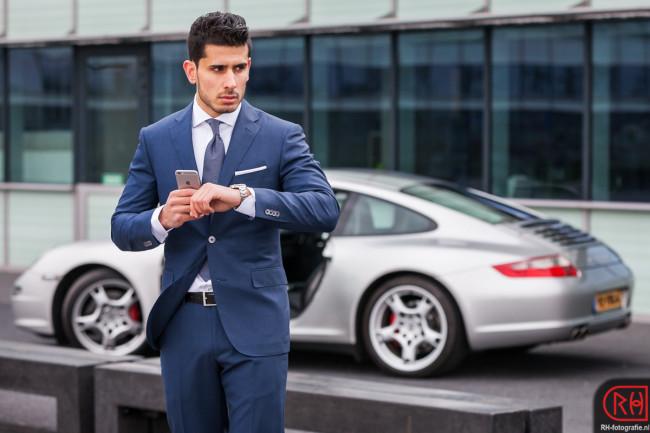 Omid en Porsche